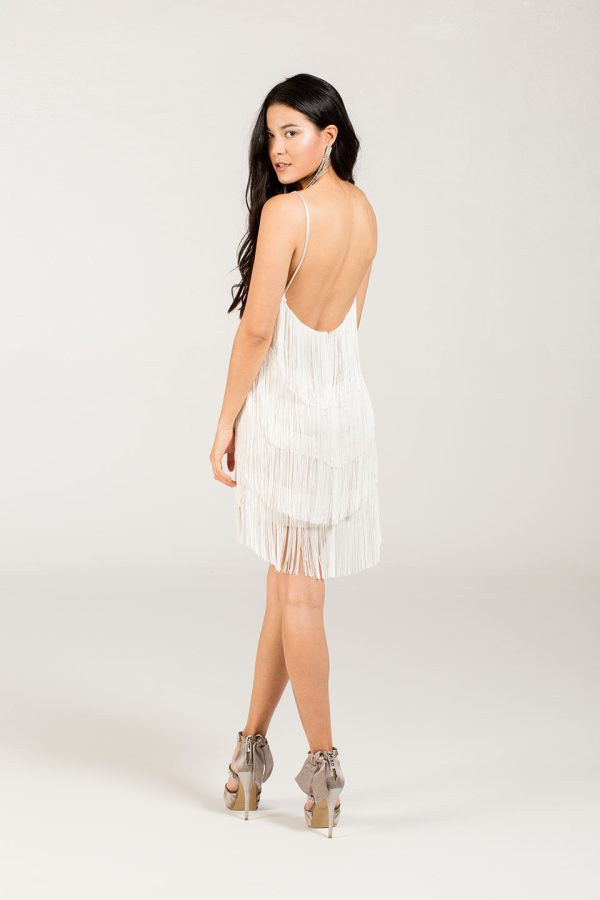 Vestidos originales Amelia dress pure color blanco con flecos
