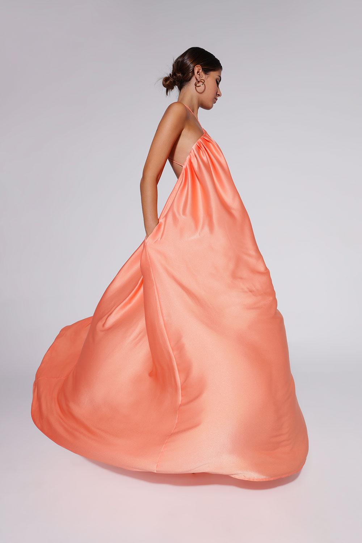 vestido-naranja-vuelo-seda
