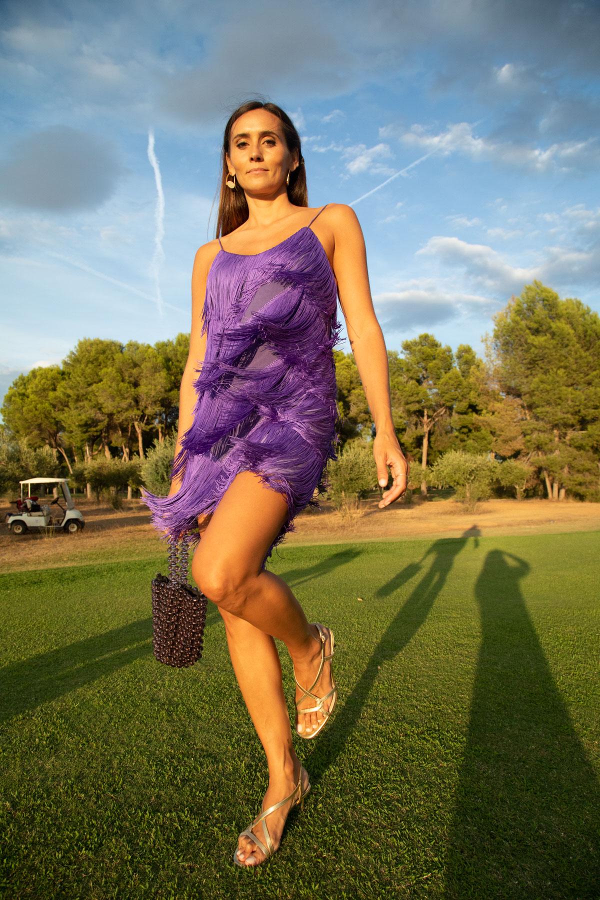 Womance Amelia vestido corto flecos tirante fino morado berry